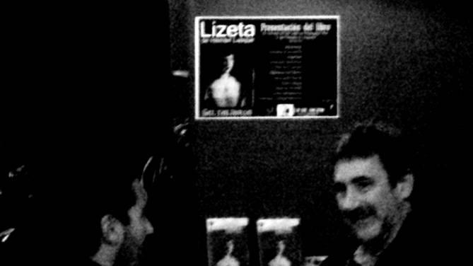 Hernan Lasque con Fernando Belottini en la presentación en Concordia